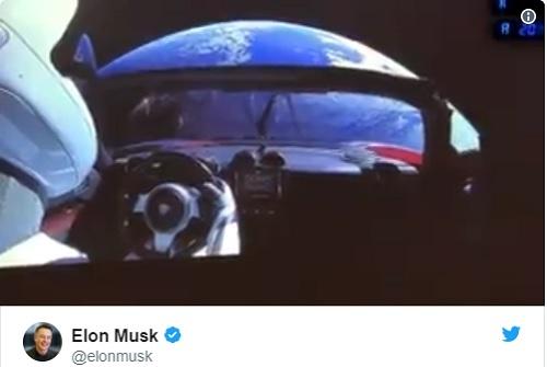 Илън Мъск пусна видео с колата си в Космоса