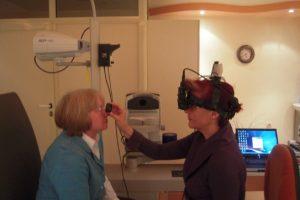 След 55 поне веднъж годишно трябва да се ходи на очни прегледи, препоръчва проф. Нели Сивкова.