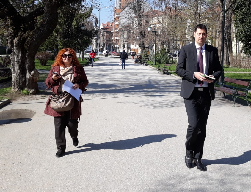 Кметът Иван Тотев и шефката на пресцентъра Веселина Стоянова.