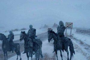 Нощният крал оглежда замръзналите полета на България, след като е прекосил замръзналия Дунавски вал.