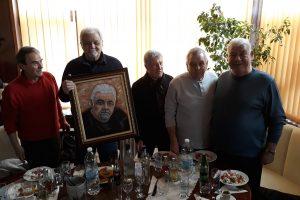 Кметът Тодор Атанасов и комитетът по празнуването.