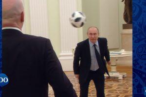 Путин показа майсторско владеене на топката с крак и глава.