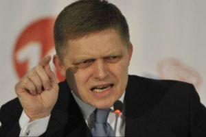 Премиерът на Словакия Роберт Фицо подаде оставка