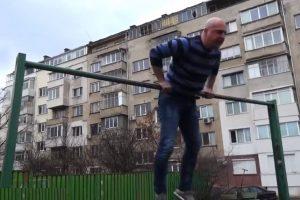 Светльо Витков направи показно на политически лупинг и отправи предизвикателство към Красимир Каракачанов