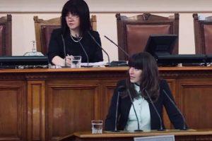 """Екранът се е превърнал в най-важния възпитател за съвременното дете"""", алармира Теодора Халачева"""