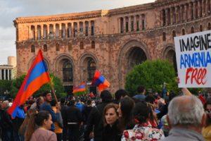 Саркисян подцени собствените си граждани, когато се опита да подражава на Путин