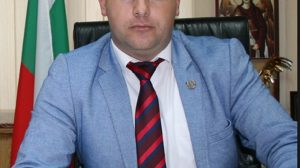 Деян Дойнов