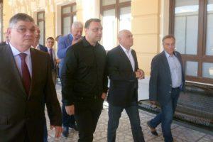 Миролюб Столарски показа на министрите обновената Централна гара