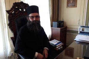 Отец Самуил се е захванал да изчисти дълговете на манастира