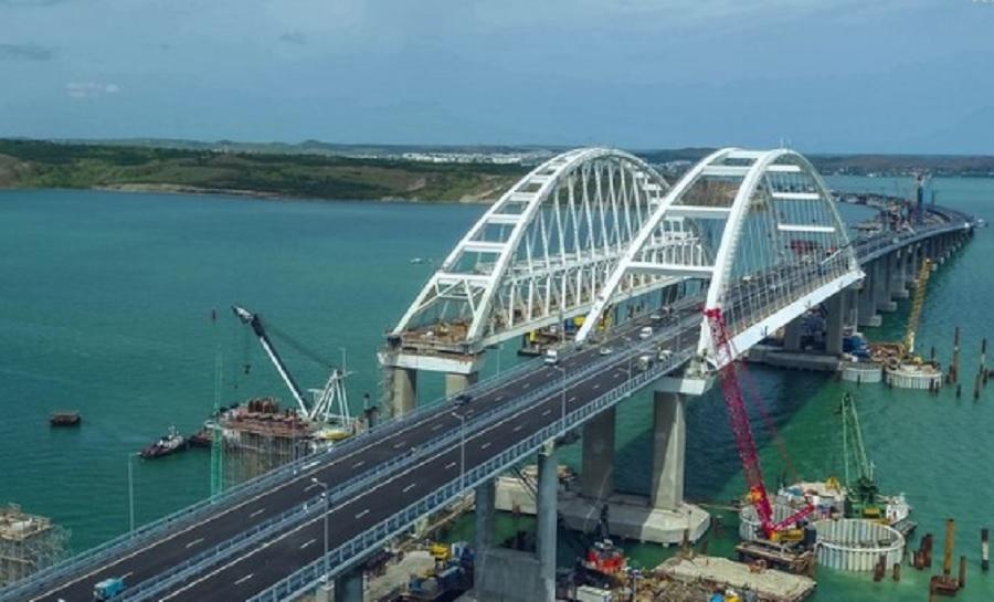19-километровият мост е най-дългият в Русия и един от най-дългите в Европа