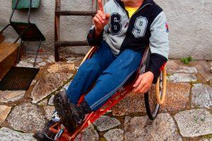 Петър Кеков е изминал хиляди километри с изобретената от него количка.