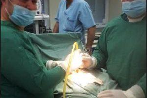 Безкръвната операция бе направена от проф. д-р Димитър Шишков и д-р Васил Павлов