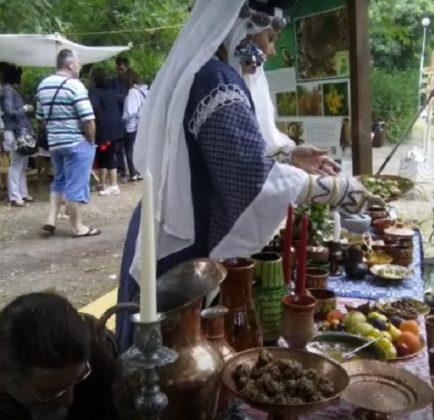 Петя Крушева предлага специалитети по рецепти от Средновековието