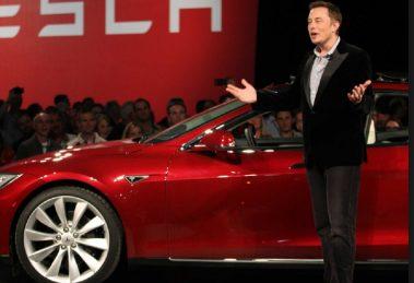 Илън Мъск представя модел на Тесла