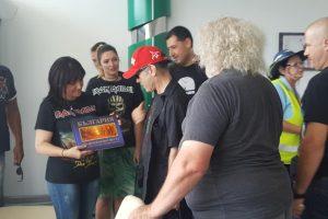 Парламентарната шефка Караянчева и кметът Тотев посрещнаха Iron Maiden