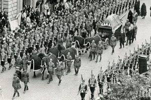 Траурното шествие за погребението на цар Борис Трети