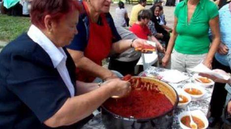 Местните майсторки в Куртово Конаре вече умело въртят кулинарен туризъм.