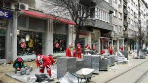 Джджуджетата на Дядо Коледа знаят две и двеста.