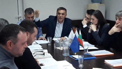 Зам.-кметът на Куклен Тунджай Наимов така и не даде думата на опозицията.