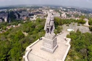 БСП - Пловдив, брани паметника на Альоша