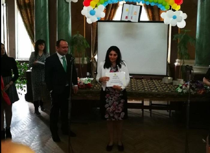 Анита Костадинова бе наградена от зам.-кмета Стефан Стоянов novini-plovdiv-press