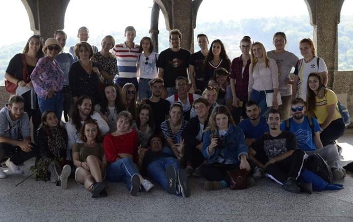 В Словакия с младежи от България, Словакия, Литва, Испания и Турция. Снимката е направена в замъка Смолнице novini-plovdiv-press