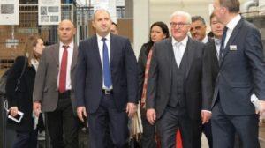 Румен Радев наскоро доведе президента на Германия в завод край Радиново.