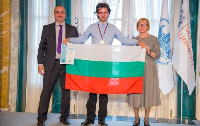 Евгени Стателов стана лауреат на Националния кръг на олимпиадата по химия и завоюва сребърен медал на международната Менделеевска олимпиада novini-plovdiv-press