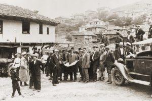 Лилково – кметът Божидар Здравков и общинските съветници на път за Тъмраш във връзка с плановете за изграждане на язовир, който да реши водоснабдяването на Пловдив, 1933 г.