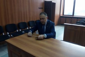 Емил Кабаиванов в съдебната зала.
