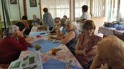 Клубът на пенсионерите в Куклен вече има климатик, осигурен от Елена Филева