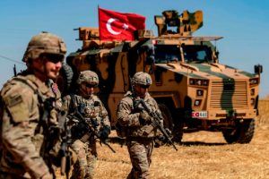 Турските части само патрулират, но често се сблъскват с редовна сирийска армия.