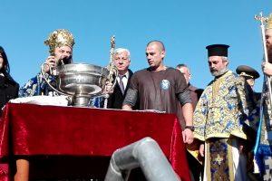 Митрополит Николай ще хвърли кръста в Марица, независимо от ограниченията.