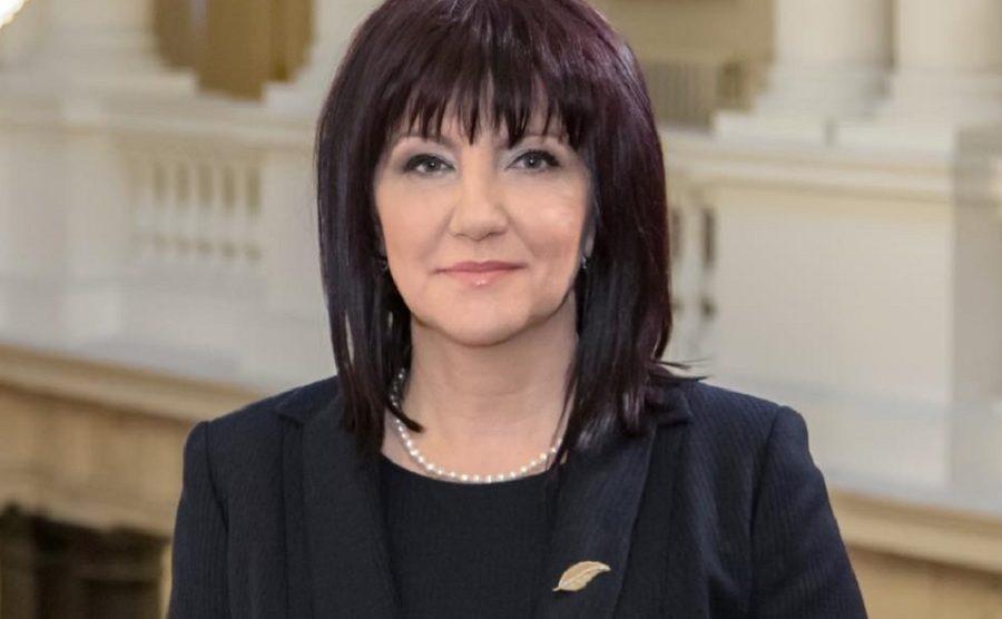 Цвета Караянчева, председател на НС