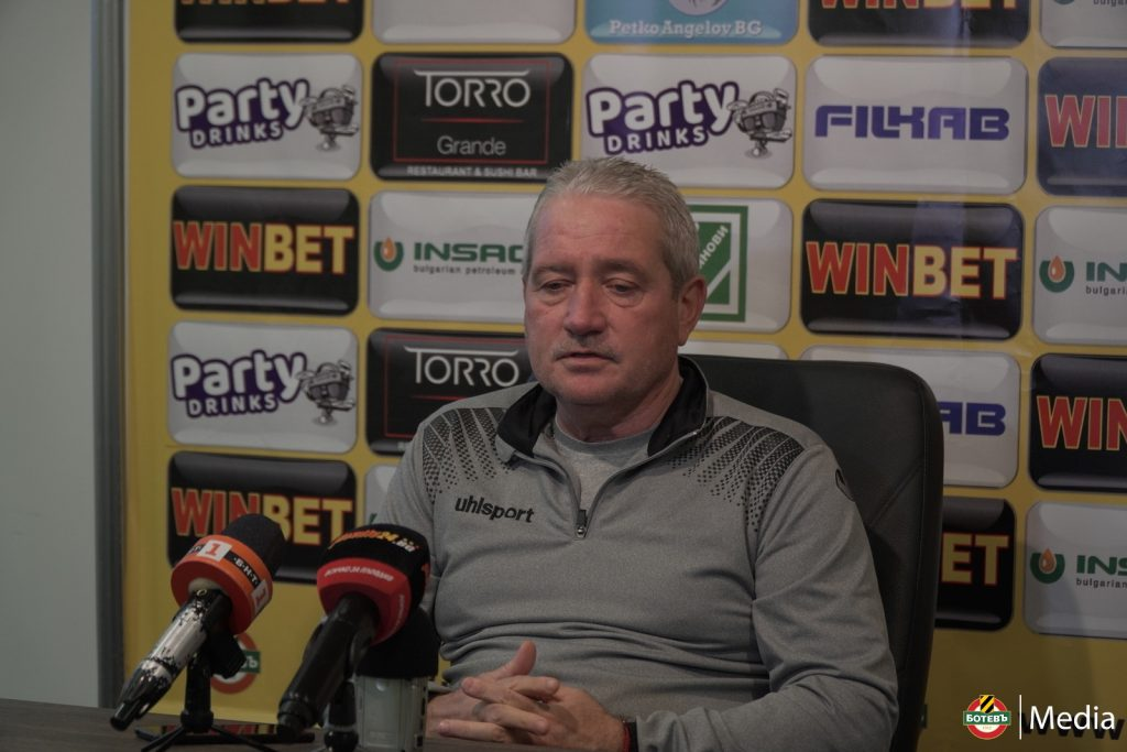 Ферарио Спасов, старши треньор на Ботев, Кадър: botevplovdiv.bg