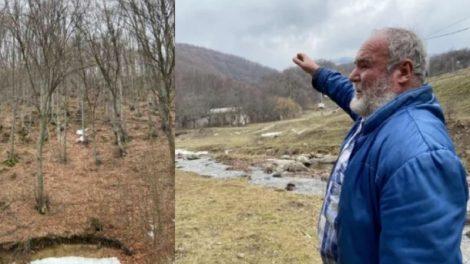 Тодор Мечкарев показва къде са открити телата на Атанас и синът му Андриан