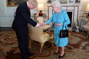 Премиерът Борис Джонсън и кралица Елизабет Втора Кадър: Ройтерс