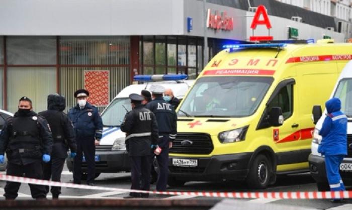 Мъжът е заловен при щурм на специалните части в офиса на банката