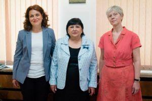 Председателят на съда Магдалина Иванова приветства новите си заместници с добре дошли