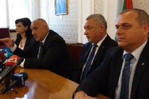 Бойко Борисов и Валери Симеонов обясниха предложенията на управляващите