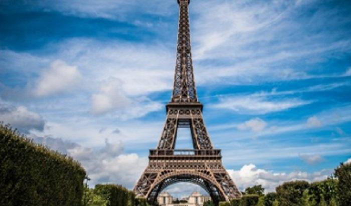 Пътуването до Франция става все по-сложно.
