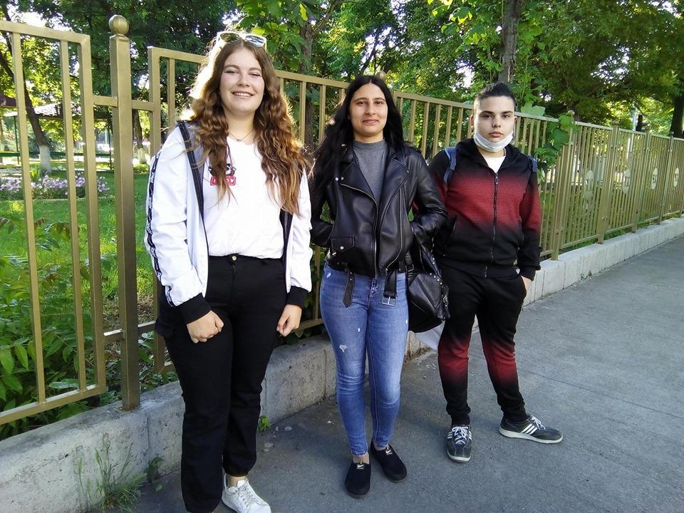 Виктория, Атанаска и Алексансър