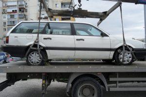 В Тракия ги почнаха - изоставените автомобили се вдигат