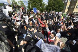 Вълната от протести, породени от смъртта на Джордж Флойд, обхвана цялата страна