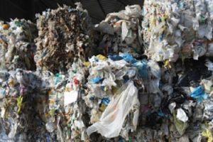 Нови два тира с отпадъци от акумулатори са открити в дере до село край Червен бряг