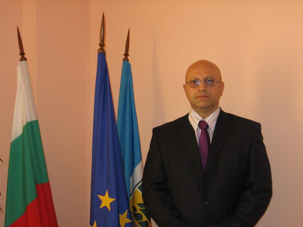 Борислав Стаматов