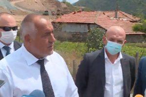 Бойко Борисов, ген. Венцислав Мутафчийски, вътрешният министър и регионалният министър дойдоха на място на инцидента