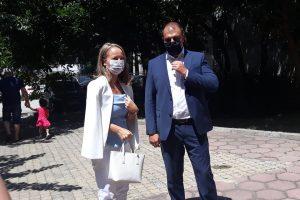 Дани Каназирева и Йордан Рогачев дават пример, като с маски и на открито