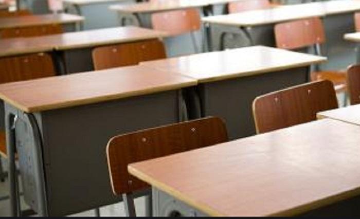 Инспектори от Столичната РЗИ вече провеждат тестване на контактните лица, в това число и на ученици