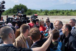 Румен Радев присъства на полигона на Националната служба за охрана в село Доброславци